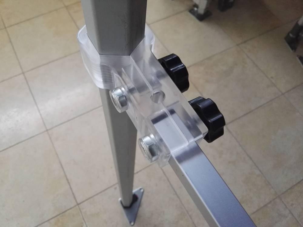 Plastová vzpěra k poloboku HEX40