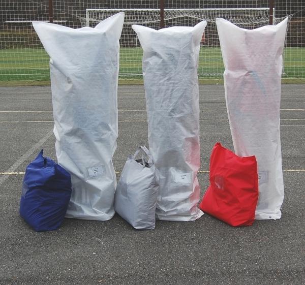 Nůžkové stany složené - odnosné tašky na bočnice a vaky na konstrukci a střechu
