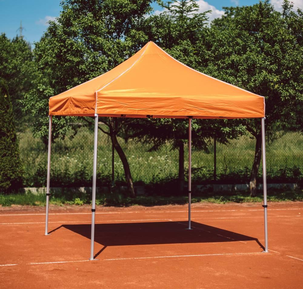 stan oranžový